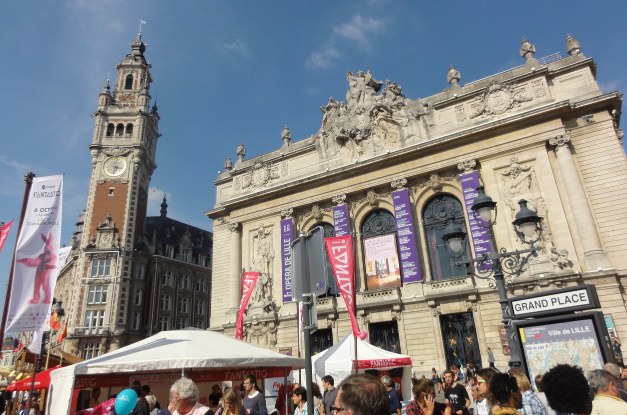 Lille : Braderie, moules frittes et bars gays...