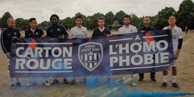 Le Paris Football Gay se dissout dans une lucarne nauséabonde politico-politicienne.
